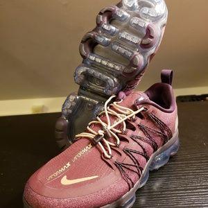 Nike Womens Vapormax Run Utility Burgundy Sz 11.5W